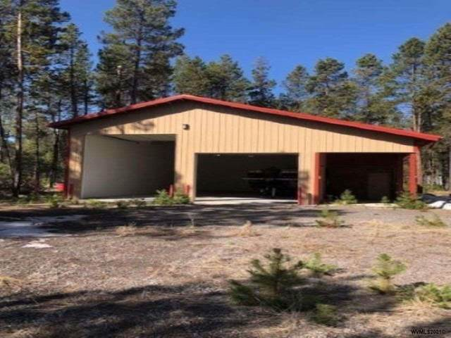 17135 Milky Way Wy, Bend, OR 97707 (MLS #775991) :: Kish Realty Group