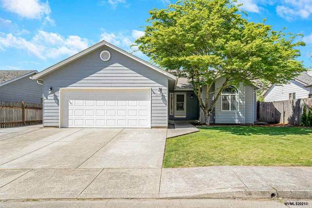 1055 Ridgefield Ct, Stayton, OR 97383 (MLS #776452) :: The Beem Team LLC