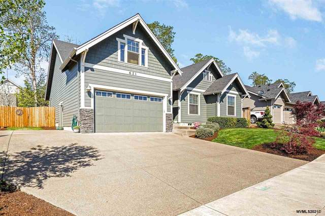 621 NW Hillcrest Dr, Dallas, OR 97338 (MLS #776537) :: Coho Realty