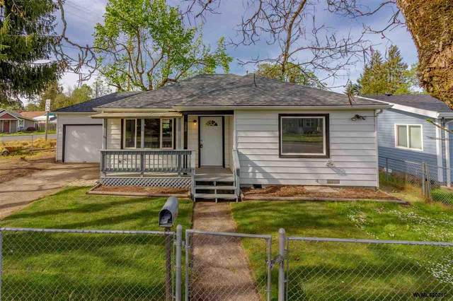 588 SW Clay St, Dallas, OR 97338 (MLS #776564) :: Sue Long Realty Group