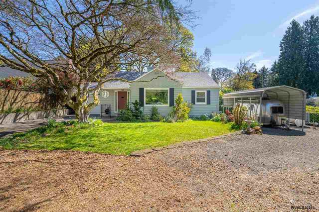 7040 SW Terwilliger Bl, Portland, OR 97219 (MLS #777355) :: Sue Long Realty Group