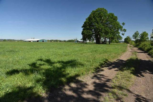 8272 SE Little Rd, Aumsville, OR 97325 (MLS #777436) :: Sue Long Realty Group