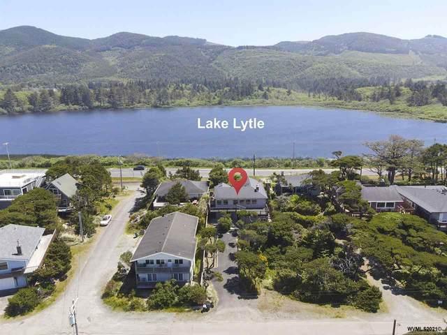 786 N Pacific St, Rockaway Beach, OR 97136 (MLS #778488) :: Song Real Estate