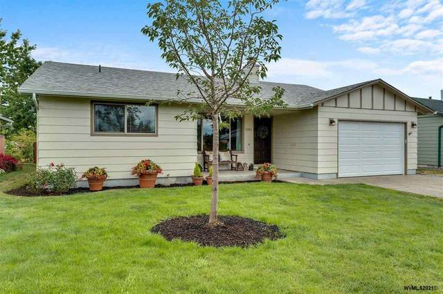 2101 W Hayes St, Woodburn, OR 97071 (MLS #779294) :: Sue Long Realty Group