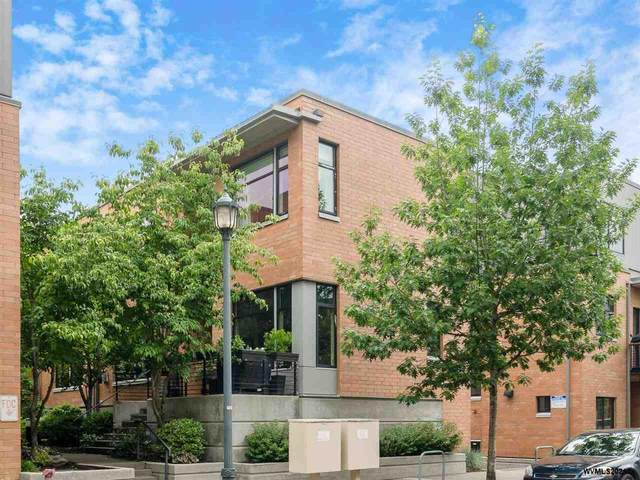1666 NW Riverscape St, Portland, OR 97209 (MLS #779454) :: The Beem Team LLC