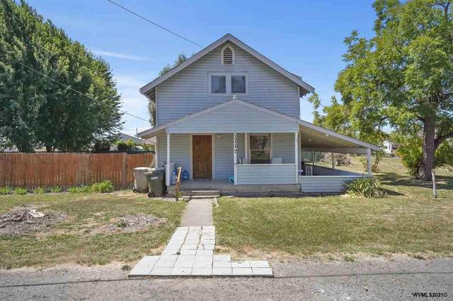 1117 W 3rd St, Halsey, OR 97348 (MLS #781050) :: Coho Realty