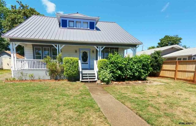 516 SE Court St, Dallas, OR 97338 (MLS #781150) :: Coho Realty