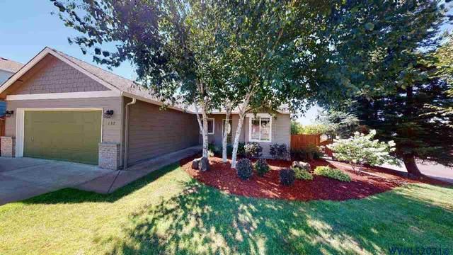 157 NW Howard Ln, Dallas, OR 97338 (MLS #781454) :: Kish Realty Group