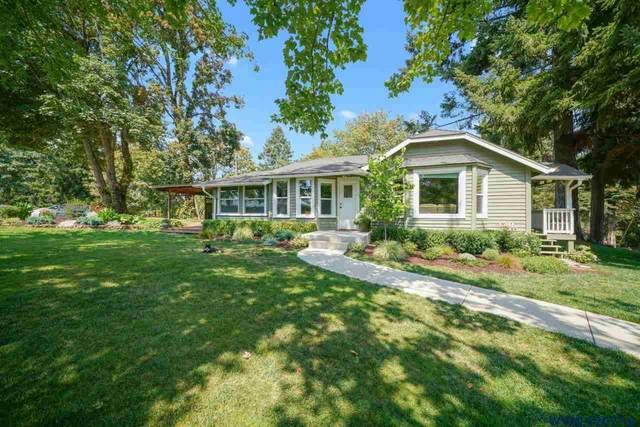 8223 82nd Av NE, Silverton, OR 97381 (MLS #782242) :: Song Real Estate