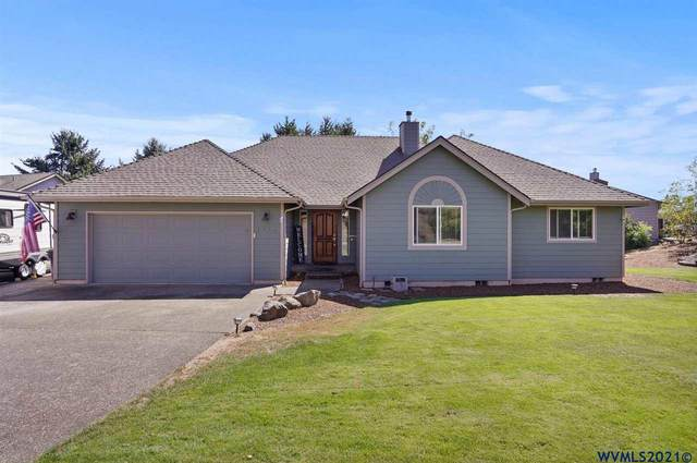 2424 SW Maplewood Dr, Dallas, OR 97338 (MLS #783110) :: Sue Long Realty Group