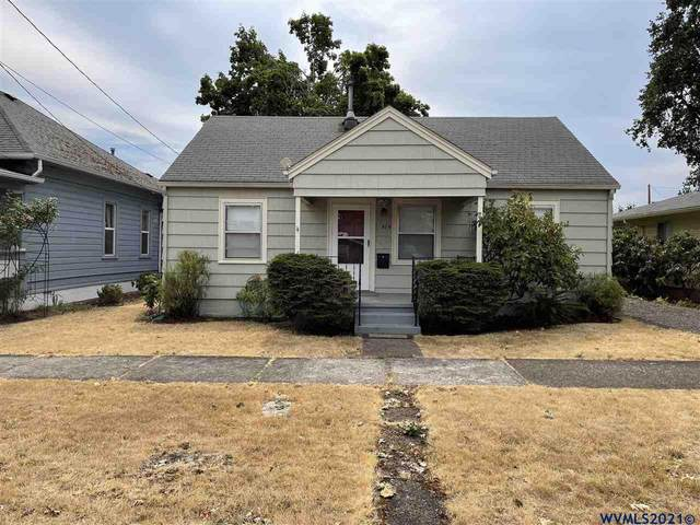 375 SW Mill St, Dallas, OR 97338 (MLS #783294) :: Sue Long Realty Group