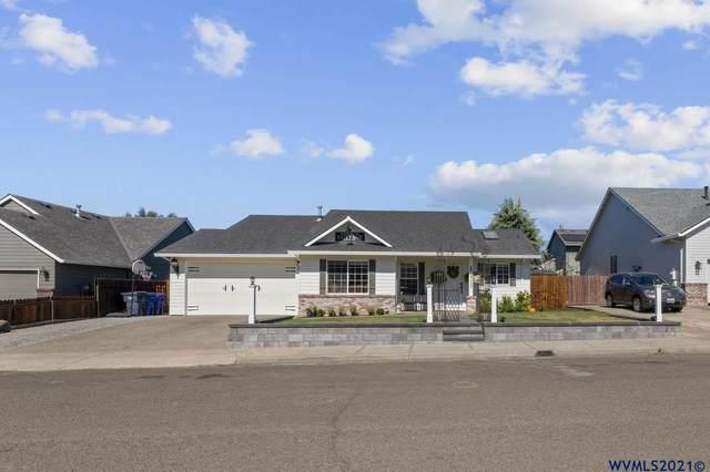265 Thunderbird St, Molalla, OR 97038 (MLS #783592) :: Song Real Estate