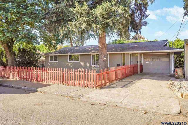 220 SW Maple St, Dallas, OR 97338 (MLS #783614) :: Sue Long Realty Group