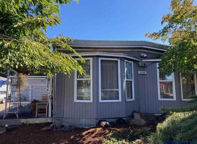 23590 Meadow Dr NE, Aurora, OR 97002 (MLS #783743) :: Premiere Property Group LLC
