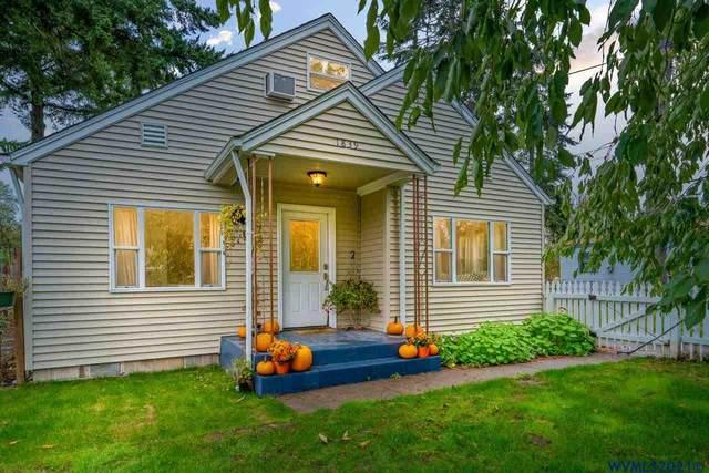 1839 12th Av, Sweet Home, OR 97386 (MLS #783896) :: Sue Long Realty Group