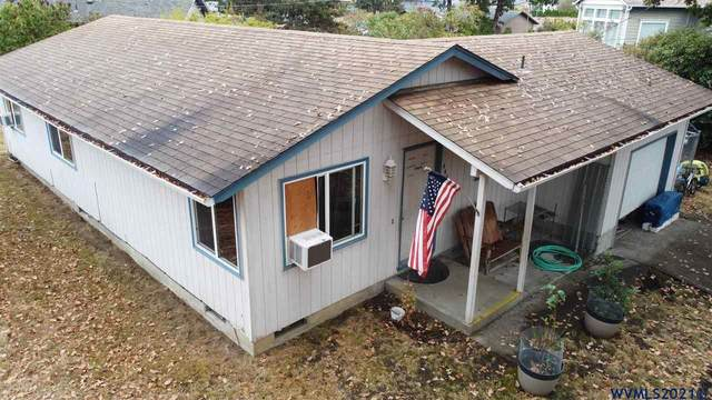 444 S 11th St, St Helens, OR 97051 (MLS #784037) :: Premiere Property Group LLC