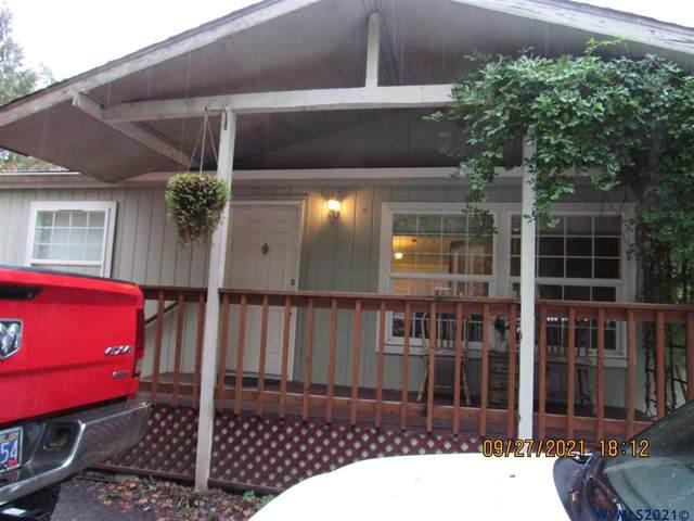 520 Alder St, Mill City, OR 97360 (MLS #784204) :: Premiere Property Group LLC