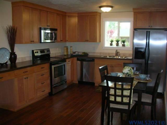 2832 Newton, Philomath, OR 97370 (MLS #784612) :: Premiere Property Group LLC