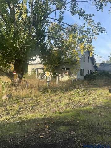 25285 Salmon River Hwy, Willamina, OR 97396 (MLS #785207) :: Song Real Estate