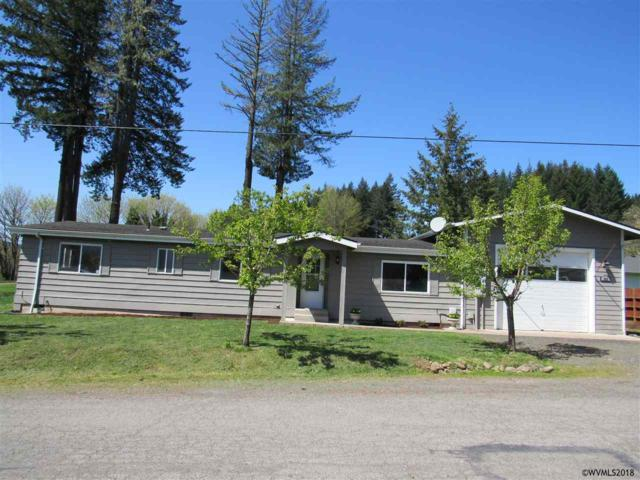 343 NE 4th Av, Mill City, OR 97360 (MLS #732351) :: Song Real Estate