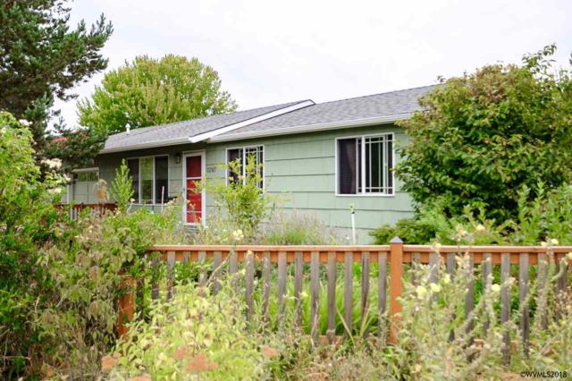 2247 NW 12th St, Corvallis, OR 97330 (MLS #738443) :: HomeSmart Realty Group