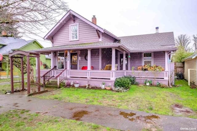 339 SE Court St, Dallas, OR 97338 (MLS #743120) :: HomeSmart Realty Group