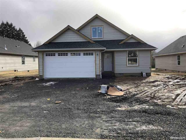 1871 SE Academy St, Dallas, OR 97338 (MLS #743415) :: Change Realty
