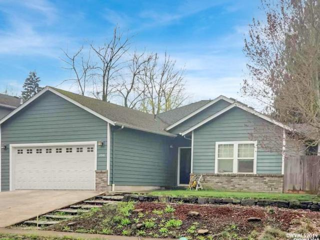 2200 Mickie Dr, Lebanon, OR 97355 (MLS #746810) :: Gregory Home Team
