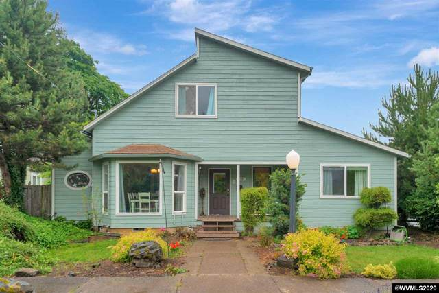 458 Clay St, Dallas, OR 97338 (MLS #764265) :: Sue Long Realty Group