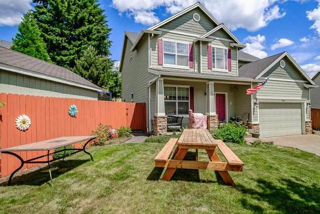 310 Division St, Silverton, OR 97381 (MLS #781029) :: Change Realty