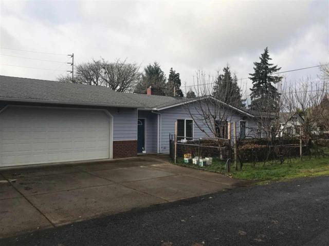 1820 16th Av SW, Albany, OR 97321 (MLS #717631) :: HomeSmart Realty Group