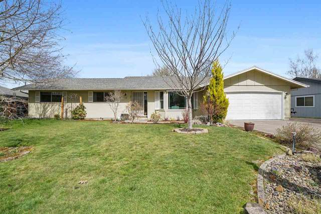 1076 SW Bryson St, Dallas, OR 97338 (MLS #760809) :: Coho Realty