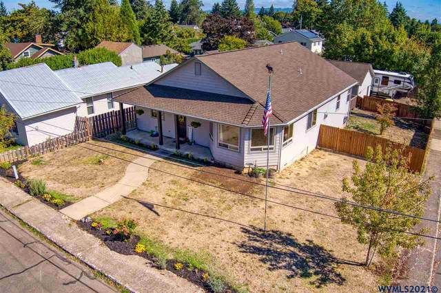 1590 SW Hill St, Dallas, OR 97338 (MLS #781804) :: Song Real Estate