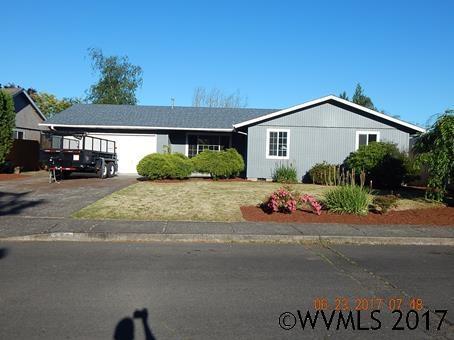 555 N 10th Pl, Aumsville, OR 97325 (MLS #720215) :: HomeSmart Realty Group