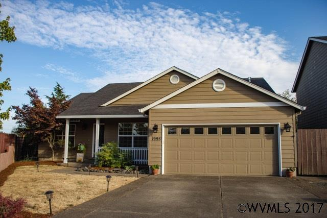 1995 Laurelridge St, Monmouth, OR 97361 (MLS #722785) :: Sue Long Realty Group
