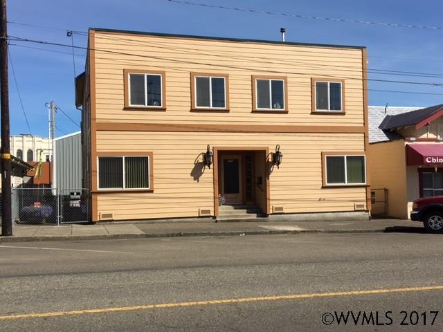 170 N Adams St, Coquille, OR 97423 (MLS #724239) :: HomeSmart Realty Group