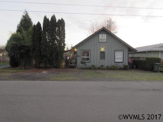 412 Lincoln St, Silverton, OR 97381 (MLS #727180) :: HomeSmart Realty Group