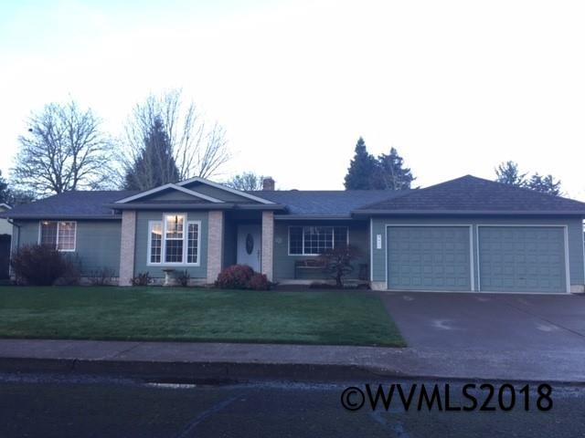 837 SW Canterbury Ct, Dallas, OR 97338 (MLS #728772) :: HomeSmart Realty Group