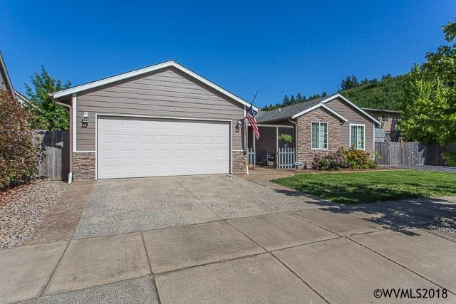 737 27th Av, Sweet Home, OR 97386 (MLS #732082) :: Gregory Home Team