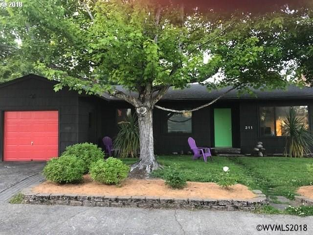 311 NW 12th St, Mcminnville, OR 97128 (MLS #733933) :: HomeSmart Realty Group