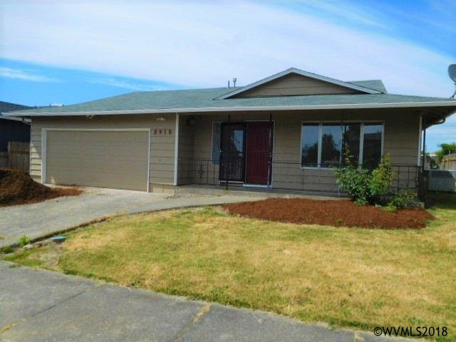 2915 29th St SE, Albany, OR 97322 (MLS #734181) :: HomeSmart Realty Group