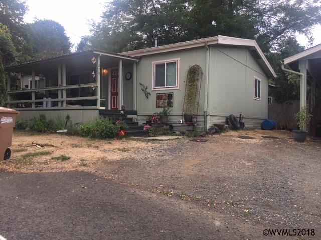 270 23rd Av, Sweet Home, OR 97386 (MLS #739419) :: Gregory Home Team