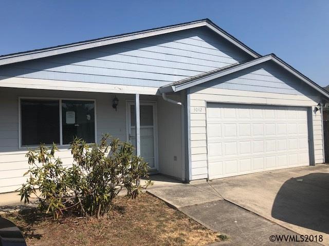 3042 Colleen St NE, Salem, OR 97305 (MLS #739489) :: HomeSmart Realty Group