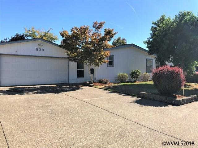 838 NW Cypress St, Mcminnville, OR 97128 (MLS #739892) :: HomeSmart Realty Group