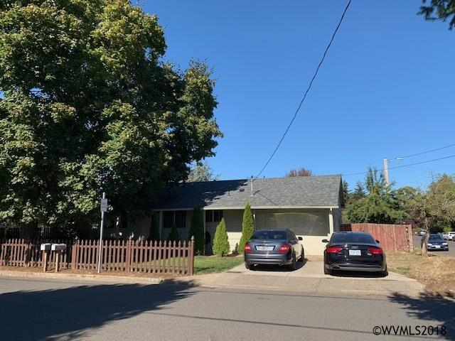 363 Bradley St, Woodburn, OR 97071 (MLS #740578) :: Five Doors Network
