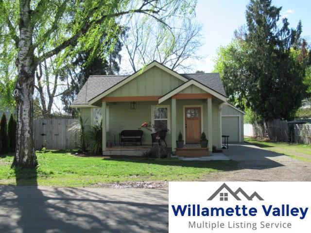 1065 18th St SE, Salem, OR 97302 (MLS #742981) :: HomeSmart Realty Group