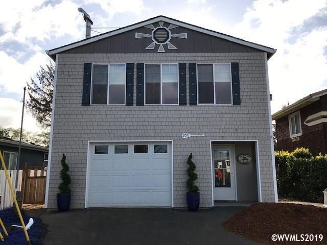 203 SE Surf Av, Lincoln City, OR 97367 (MLS #748179) :: Hildebrand Real Estate Group