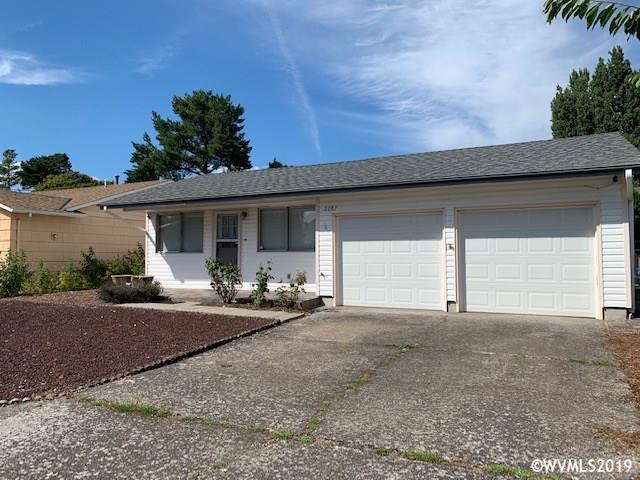 2287 Oregon Ct, Woodburn, OR 97071 (MLS #751973) :: The Beem Team - Keller Williams Realty Mid-Willamette