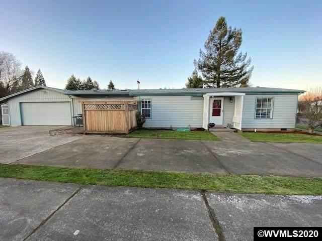 5221 10th St SE, Salem, OR 97306 (MLS #759924) :: Hildebrand Real Estate Group