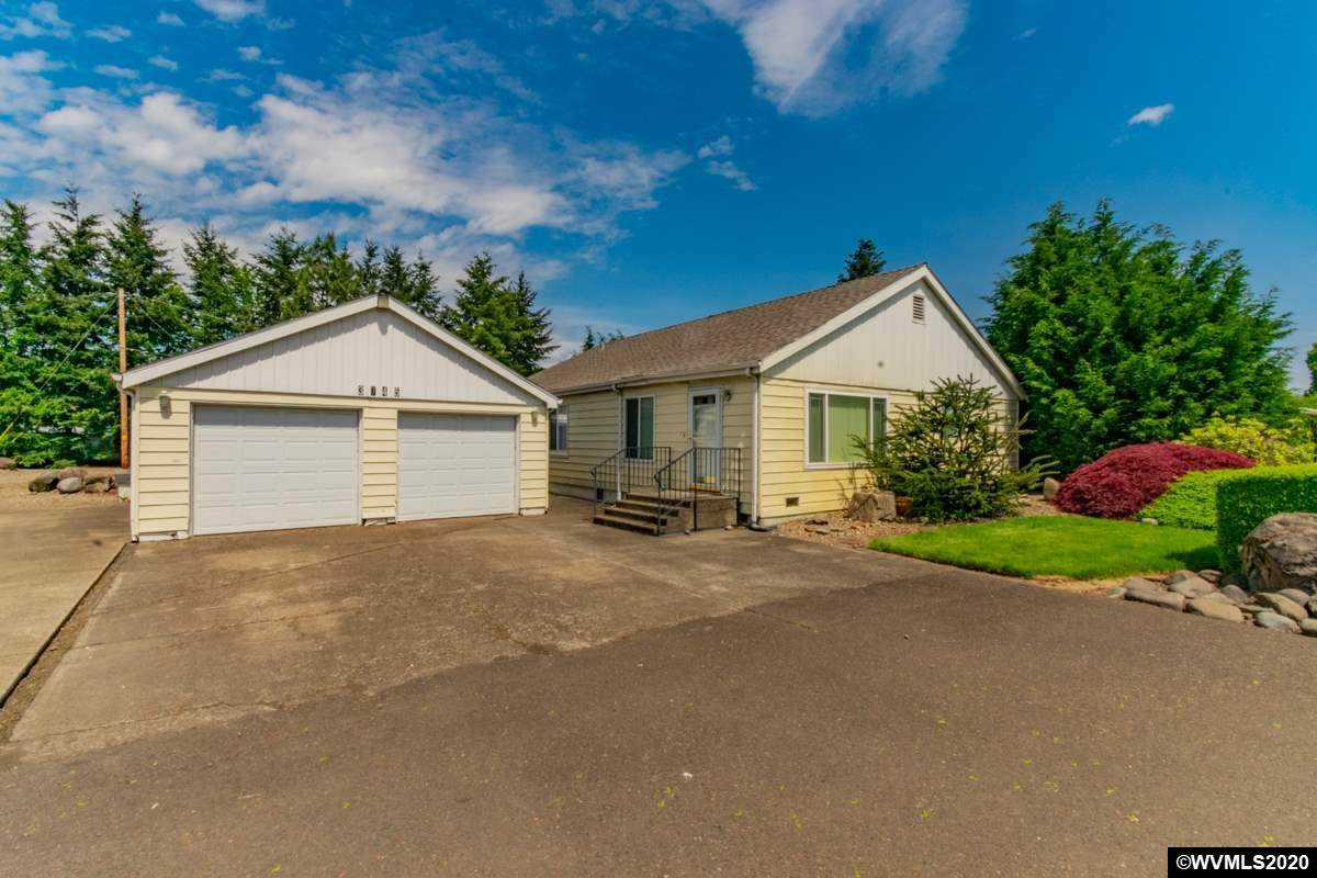 3745 Knox Butte Rd - Photo 1